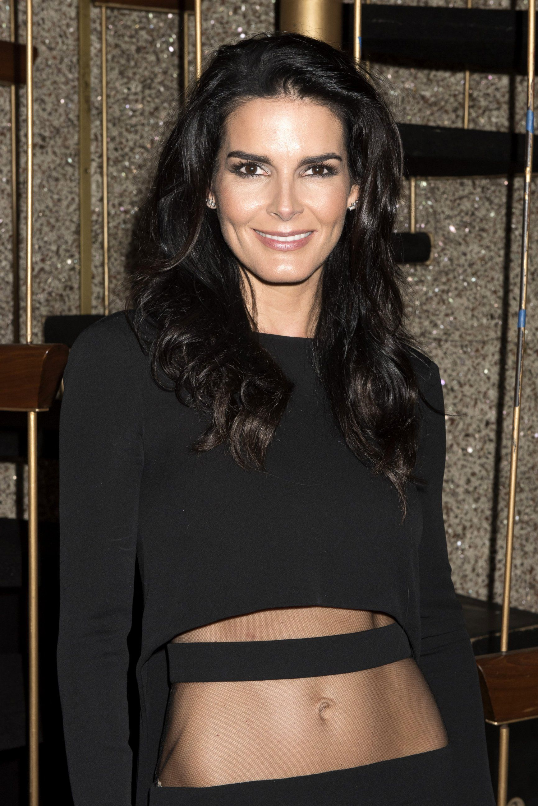 Angie harmon hottest photos