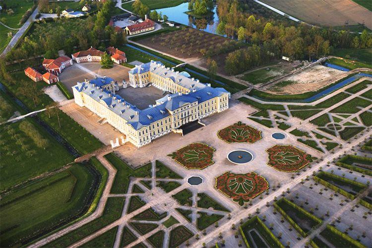 Rundale-Palace.jpg (750×500)