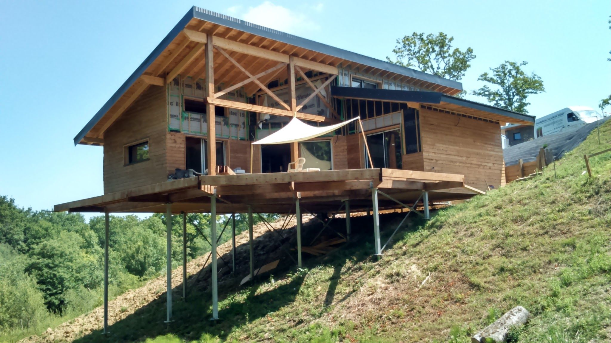 Maison Individuelle Sur Terrain En Pente   Techno Pieux Inc. | Steel Post  And Beam | Pinterest | Cabin, House And Architecture