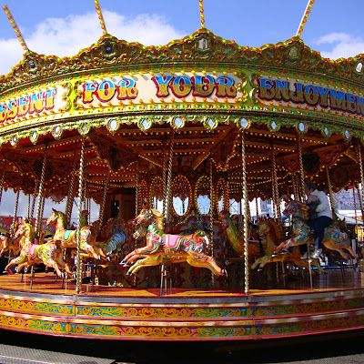 The Links Market Is Reputedly The Longest Street Fair In Europe Running Almost One Mile In Length Along The Esplanade Kirkcal In 2020 Carousel Horses Carousel Horses