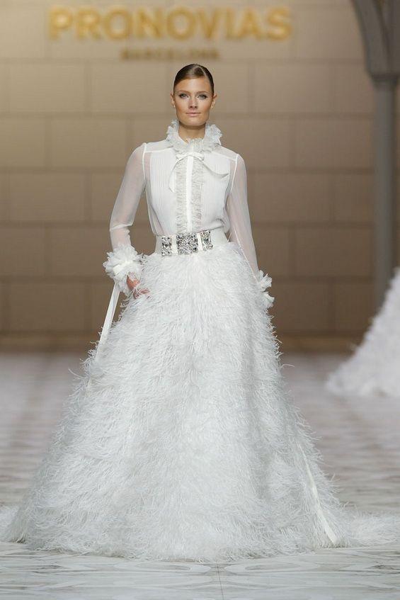 vestidos de novias alternativos | colección pronovias | vestidos de