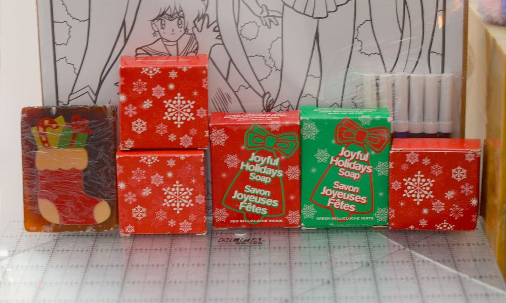 Specialty Holiday bar Soap Gift Set Christmas Bell Stocking glycerine Avon 2002 #Avon