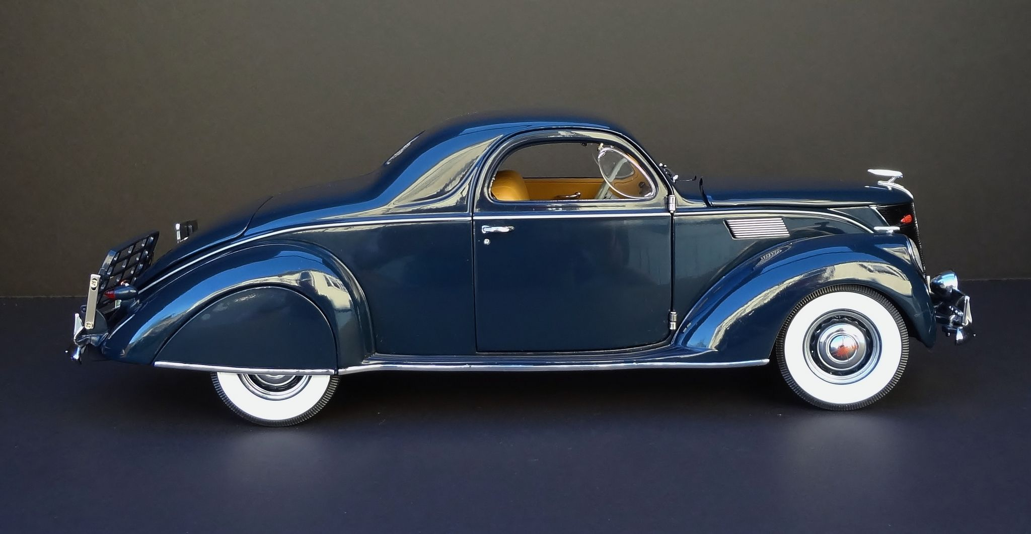 1937 Lincoln Zephyr V 12 3 Window Coupe Lincoln Zephyr Classic Cars Ford Classic Cars