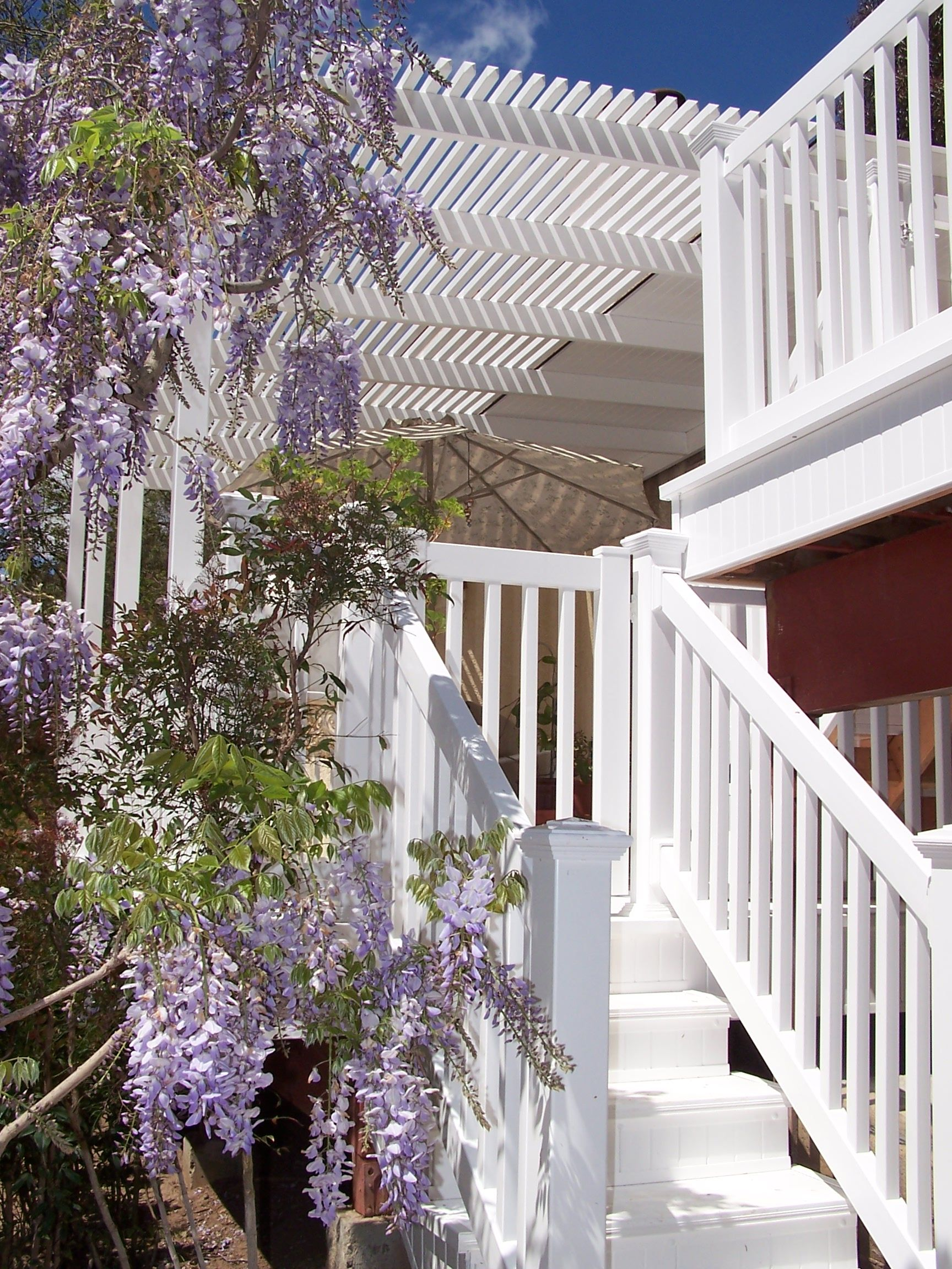 Vinyl Deck and Porch Railing Buyers Guide | Fence Center ...