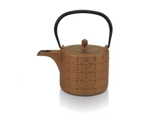 The authentic oriental tea kettle in cast iron with tea strainer. #Tea#BekaCookware