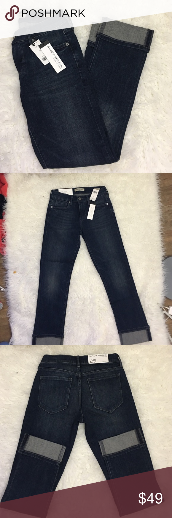 Banana Republic Girlfriend Fit Jean Premium Denim: Figure-transforming fit. Unsurpassed recovery. Body conforming stretch. Zip fly with button closure. Belt loops. Traditional five-pocket styling. Roll-cuff leg openings Our denim is made under strict guidelines to ensure that the water used in washing and dyeing is safe and clean before it is released into the environment. #305569 Jeans