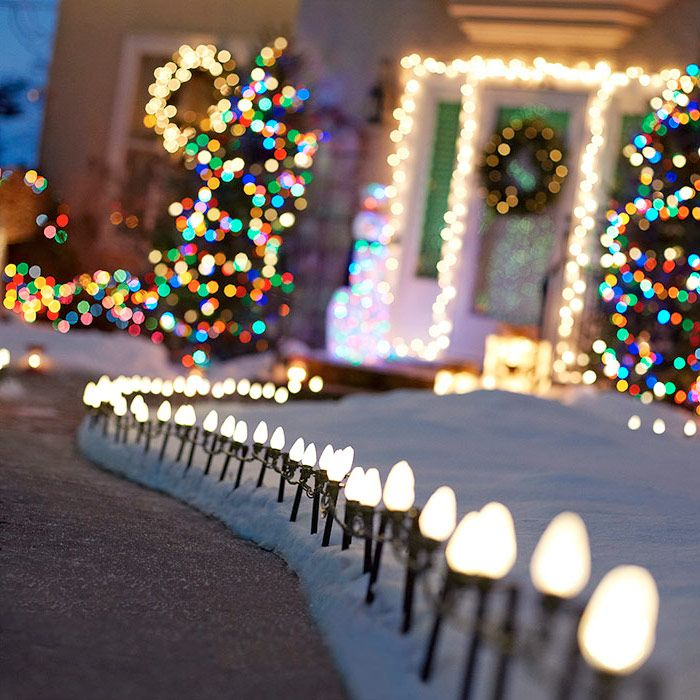 How To Hang Outdoor Holiday Lights Quickly Christmas Decorations Diy How To Lighting Seasonal Holiday Decor