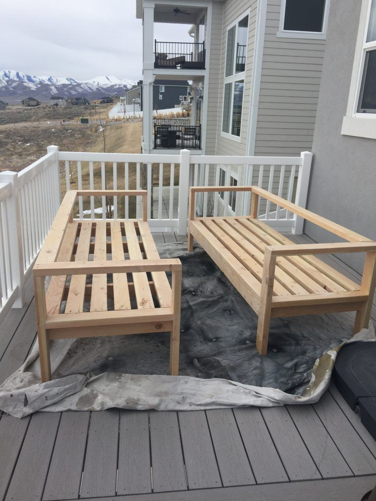 Want to hang out or entertain outside? Build this DIY outdoor furniture in  one day and you can enjoy the warmth of the summer! - DIY Outdoor Furniture Home And Studio Diy Outdoor Furniture, Diy