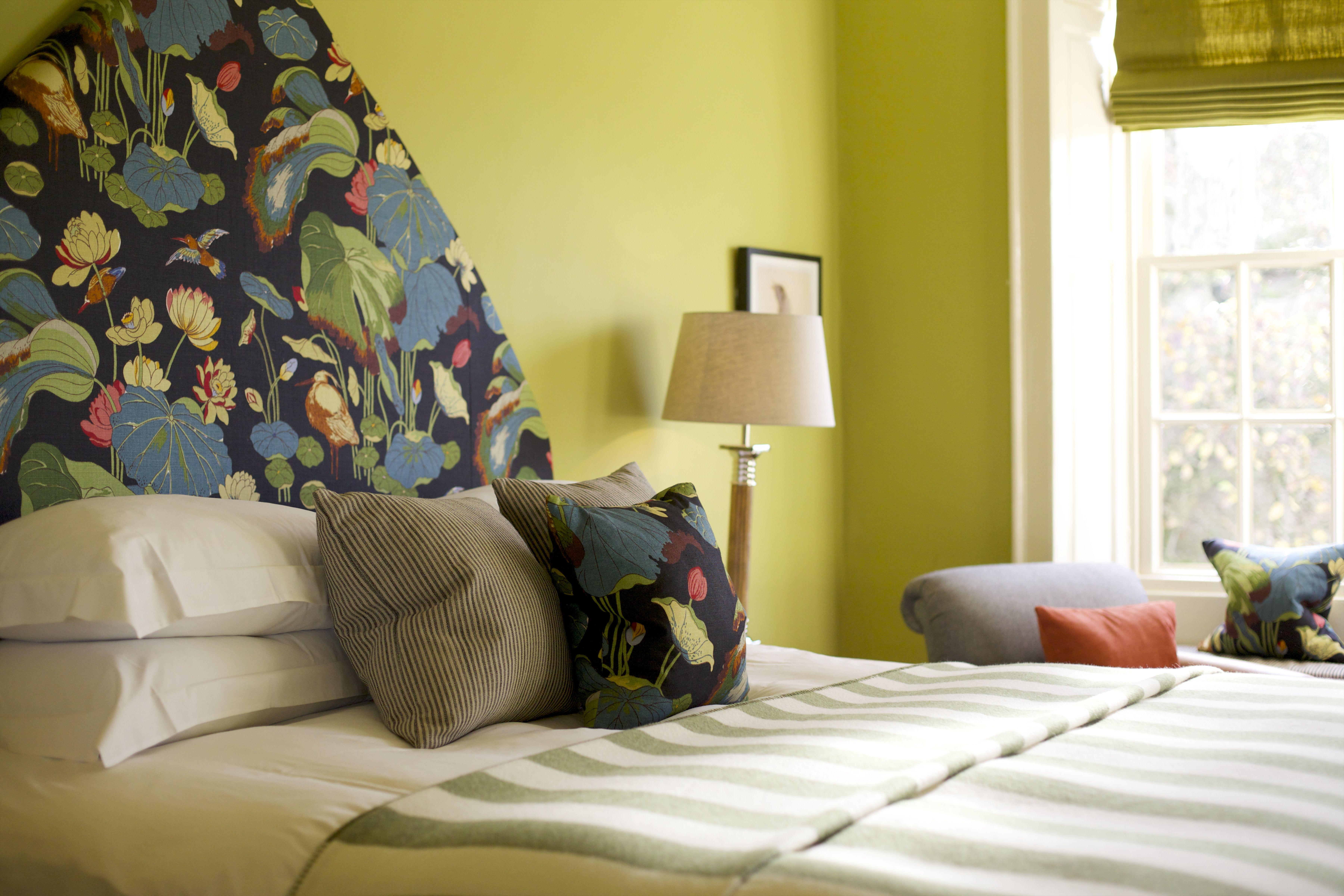 Book a break in this bold bedroom at The Close in the Cotswolds