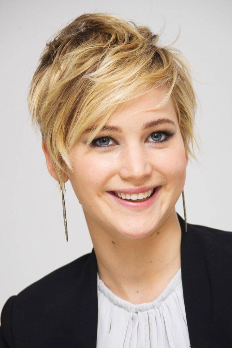 Jennifer Lawrence Pixie Frisur Kurz Zersauster Look 2013 Promis