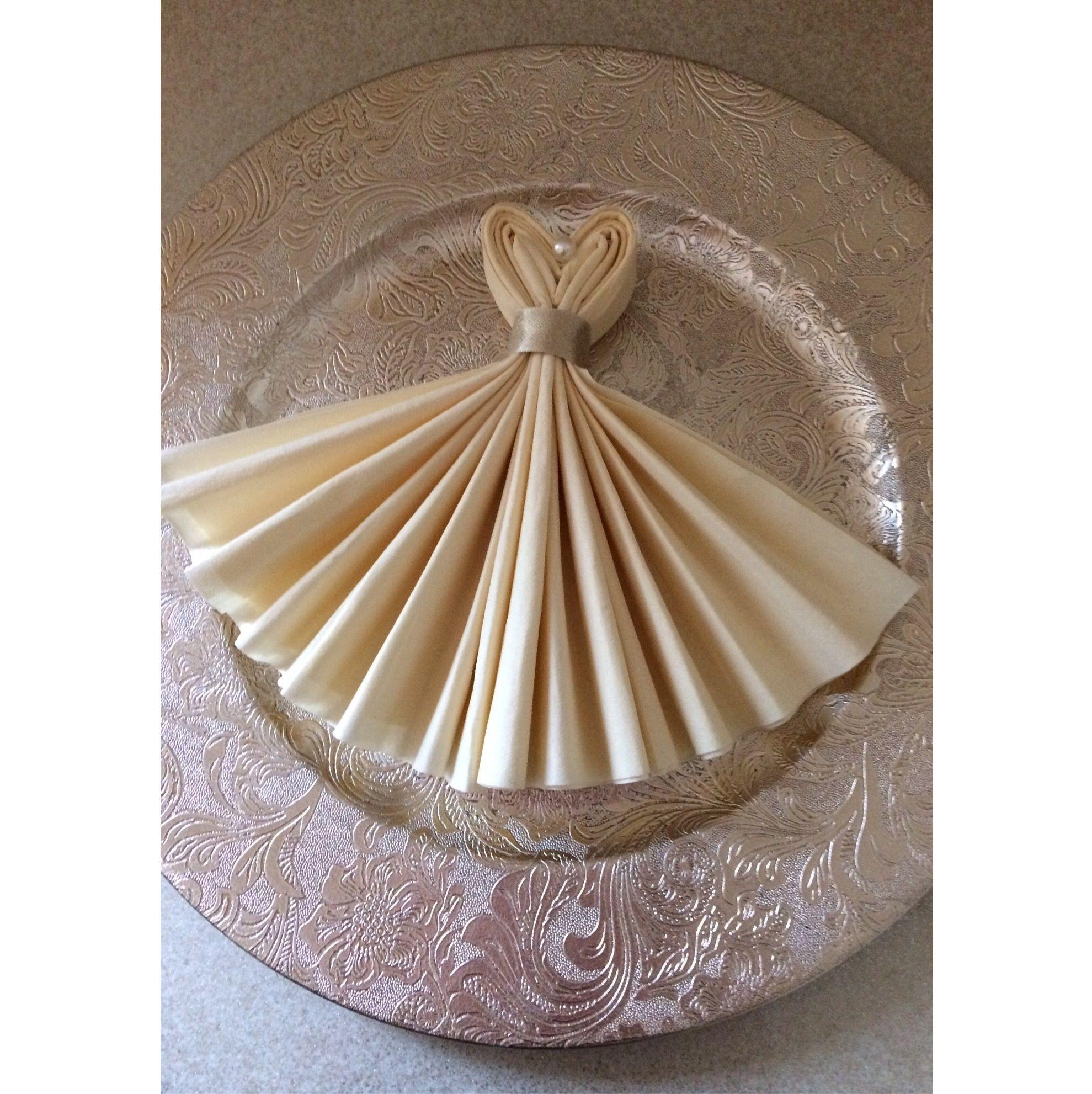 Napkin Folding Ideas For Weddings