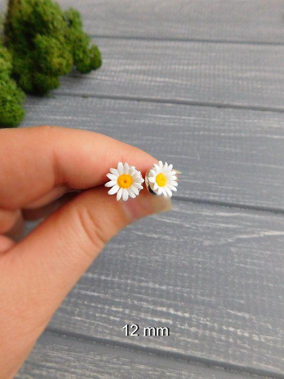 Daisy Earrings Clay Earrings Spring Daisy Clay Stud Earrings Flower Earrings Clay Studs