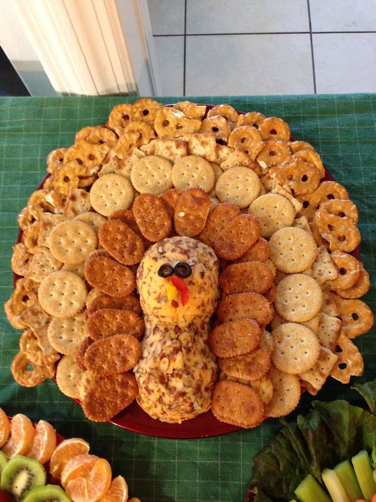 Thanksgiving appetizers crackers cheese and thanksgiving for Appetizers decoration