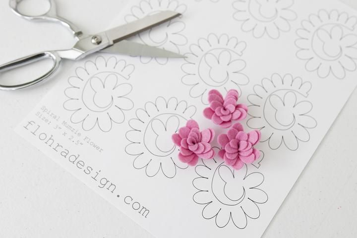 Spiral Mumzie Flower - Printable PDF Template #feltflowertemplate
