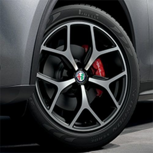 Official Alfa Romeo USA Site - Sports Cars & SUVs