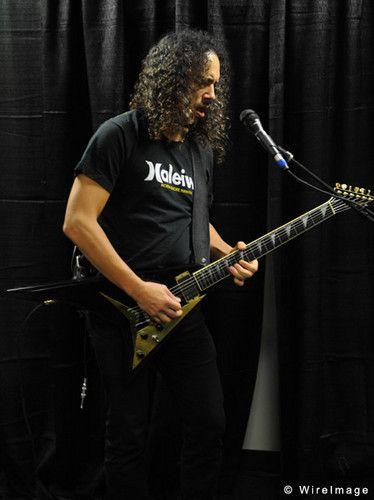 http://images5.fanpop.com/image/photos/30300000/Hammett-kirk-hammett-30306658-374-500.jpg