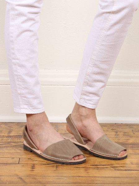 Pons 7 Avarcas Grey Gunmetal Metallic Sandals Strappy Womens Shoes Leather