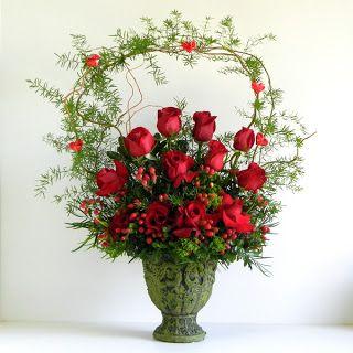 Rose Christmas Floral Arrangement I Think This Arrangement