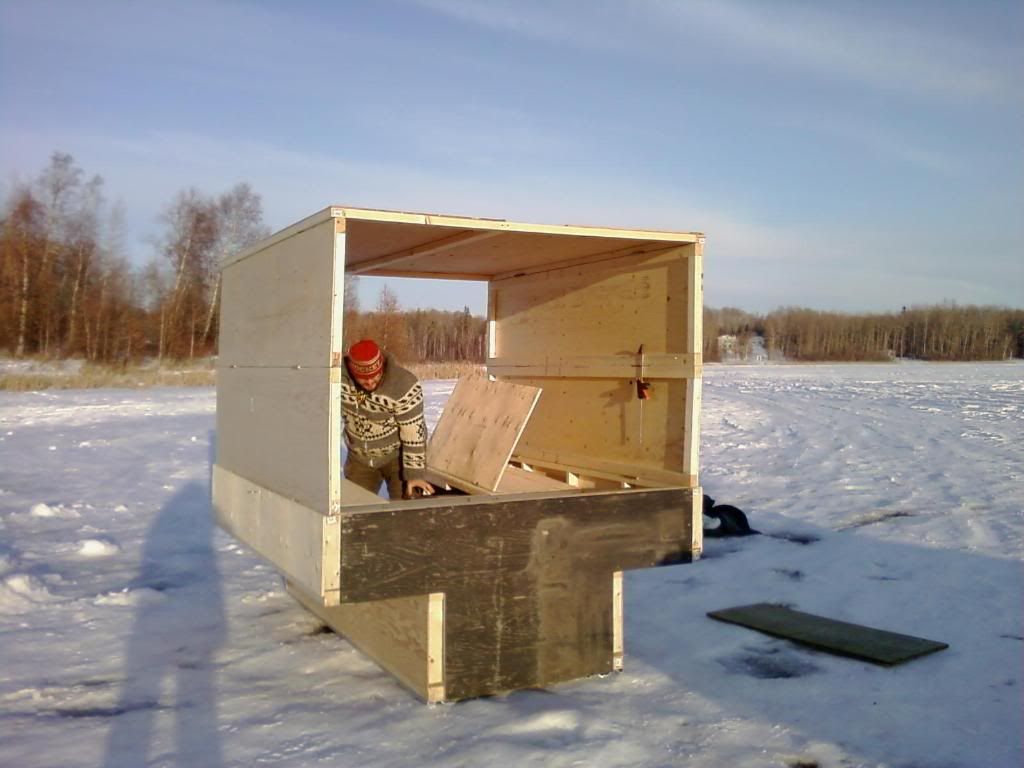 Ice fishing huts gallery backhome pinterest galleries for Small hut plans