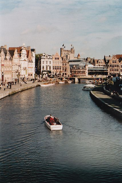 ✖✖✖ View on the Graslei in Ghent, Belgium ✖✖✖