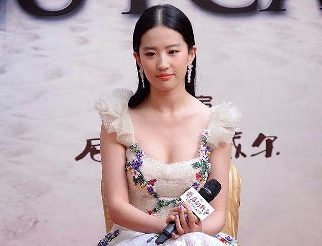 Liu yifei hot