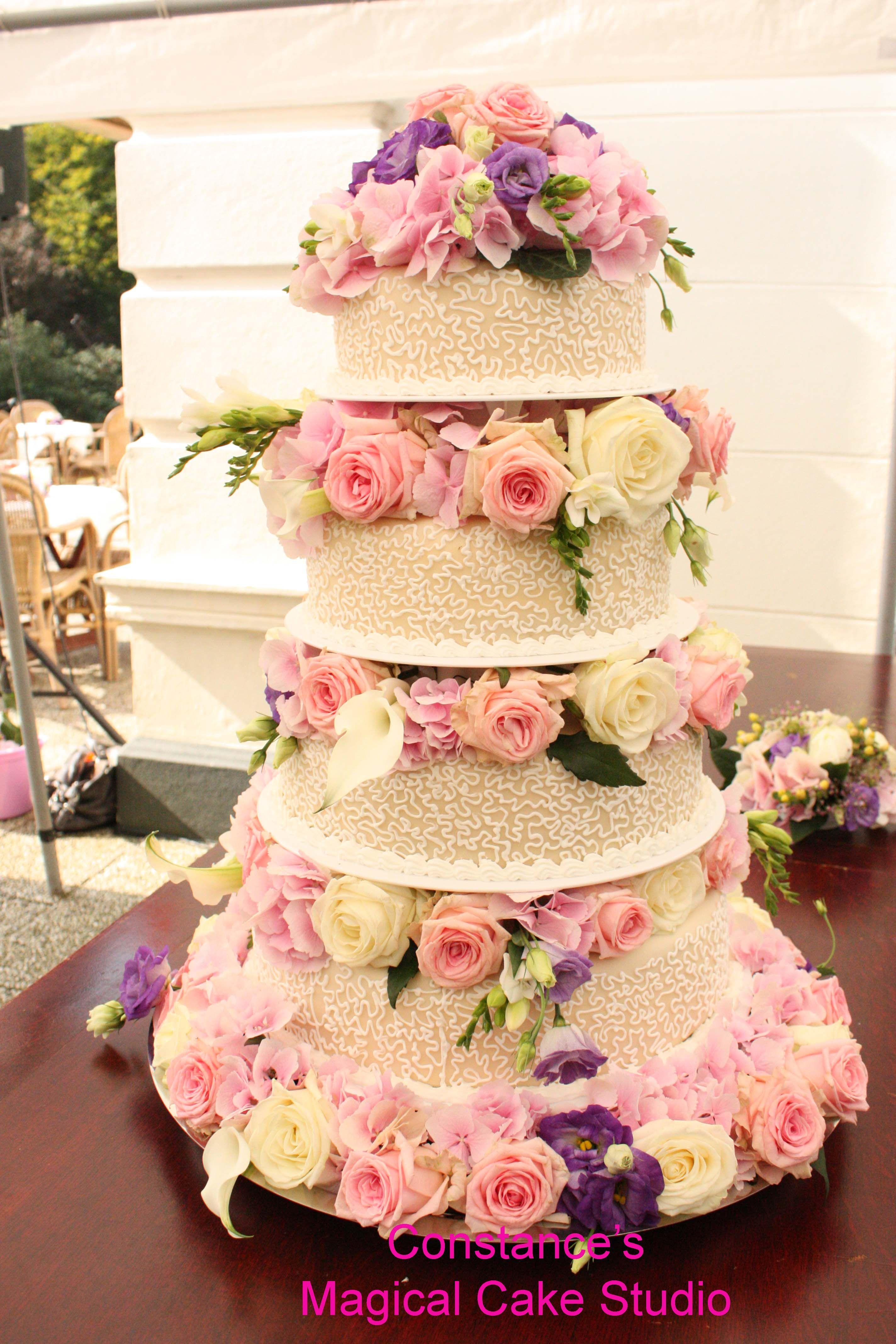 Bruidstaart met echte bloemen google zoeken sandollar wedding