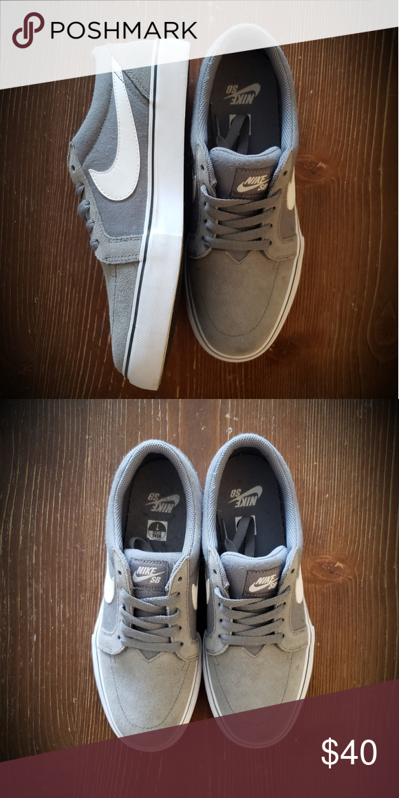 NIKE SB Grey and White Suede Sneakers