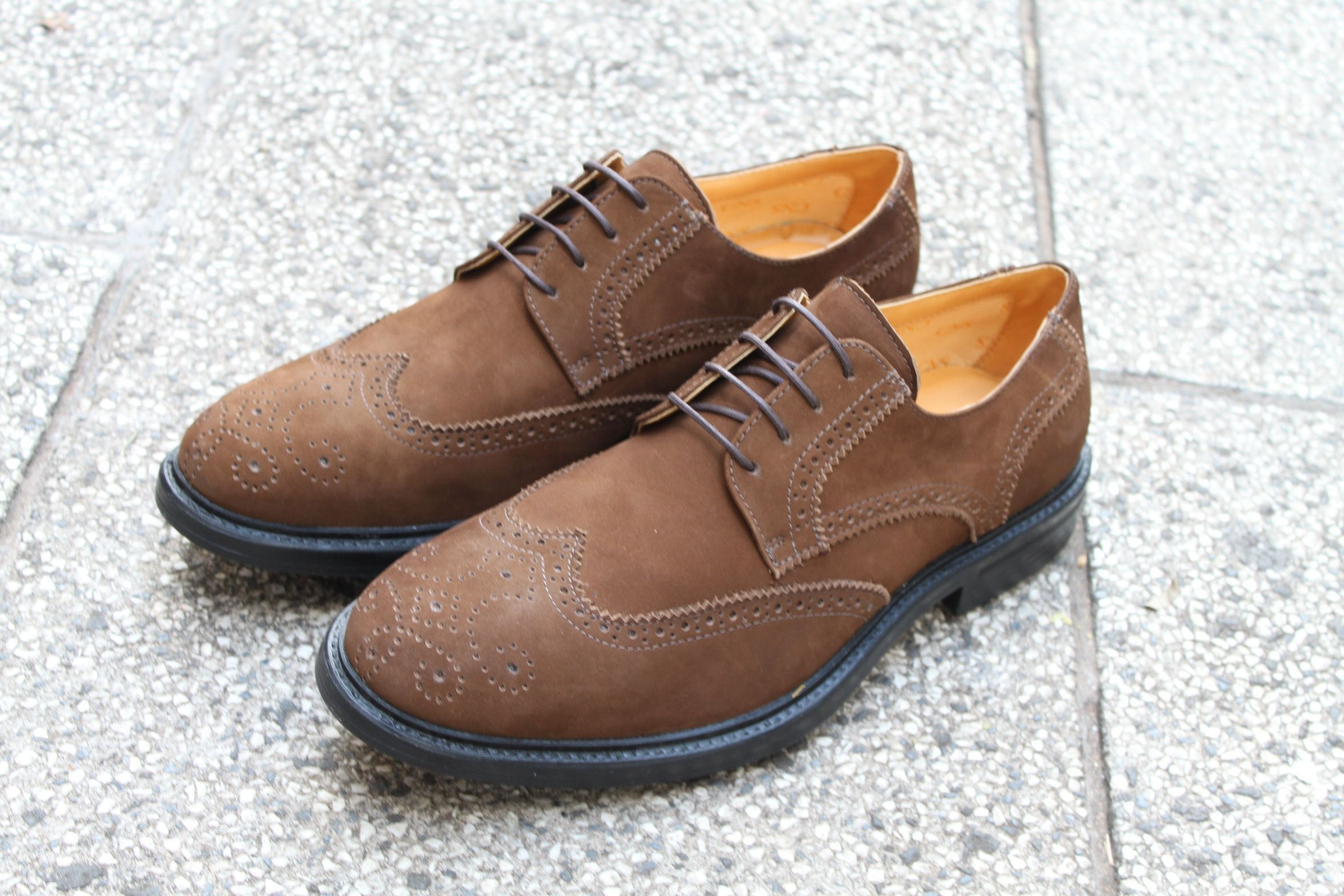 c041dab74 Sapato Casual Masculino Derby CNS Frank em Couro Camurça cor Rato e Sola de  Borracha.