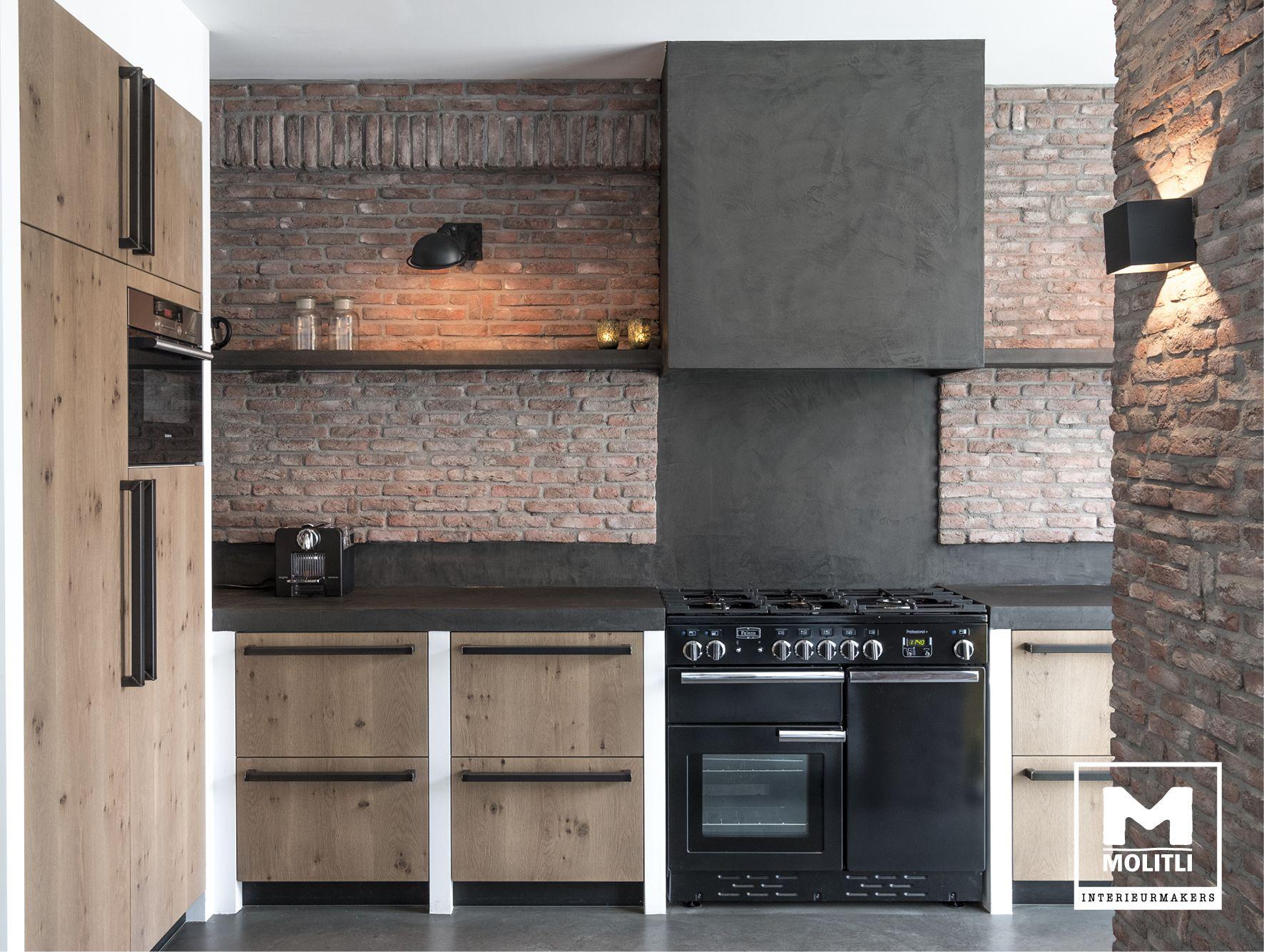 Keuken betonstuc en steense wand keuken