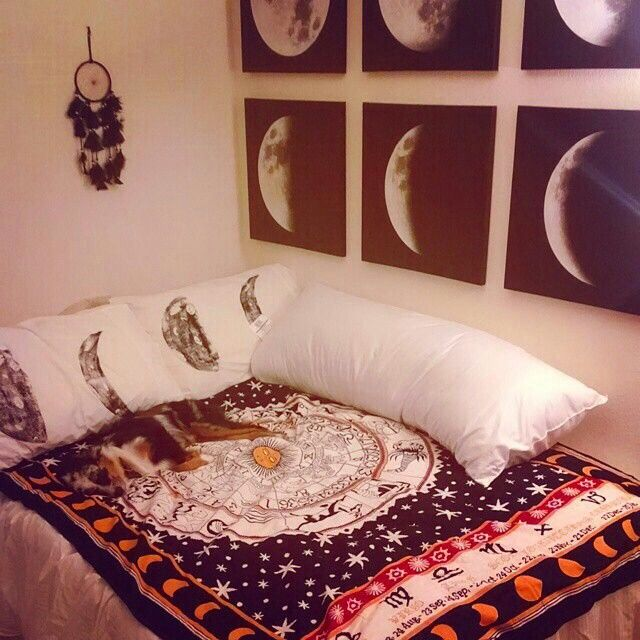 Decor Inspiration Hang the moon Bedrooms Room ideas and Room