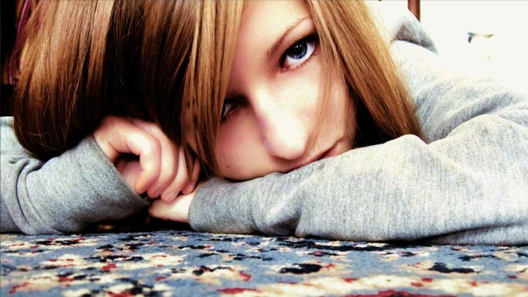 Sad Girl Images Sad Girls Crying And Sitting Alone Wallpapers