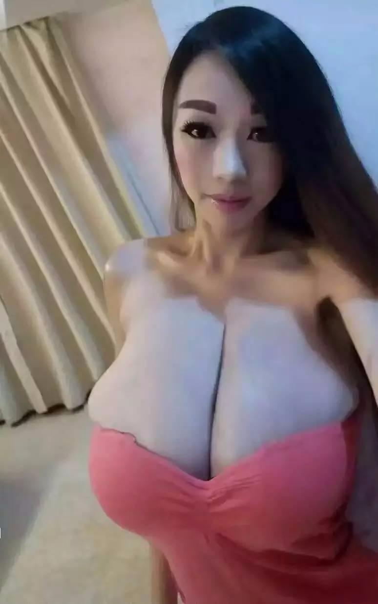 schone big boob