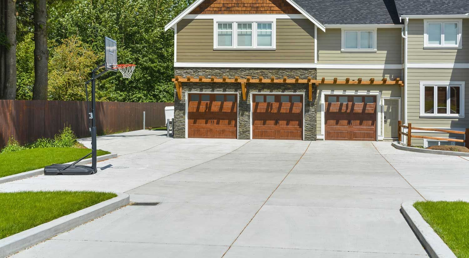 Cost To Install Concrete Driveway 2020 Price Calculator Cost Of Concrete Driveway Driveway Design Concrete Driveways
