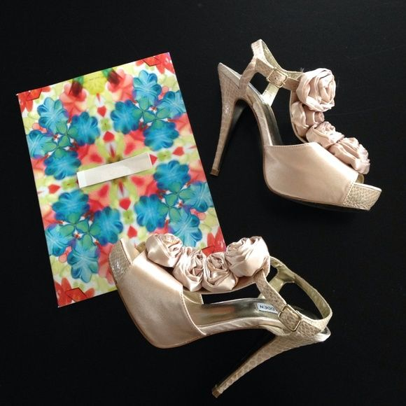 "Steve Madden fabulous flower platform heels 5"" platform heel~hard to find color & unique style!  Satiny & snakeskin **please see last picture for small marks -on both shoes possibly from sitting unused~price reflects~wore only once Steve Madden Shoes"