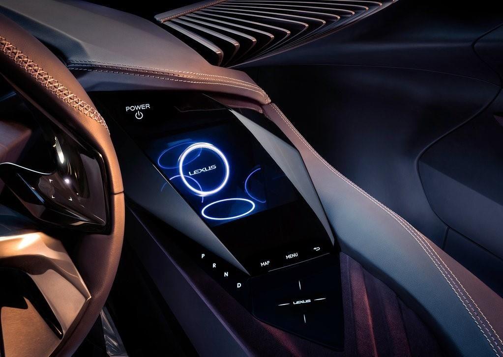 Lexus UX 250h : Le Petit Frère Hybride Du NX Se Précise