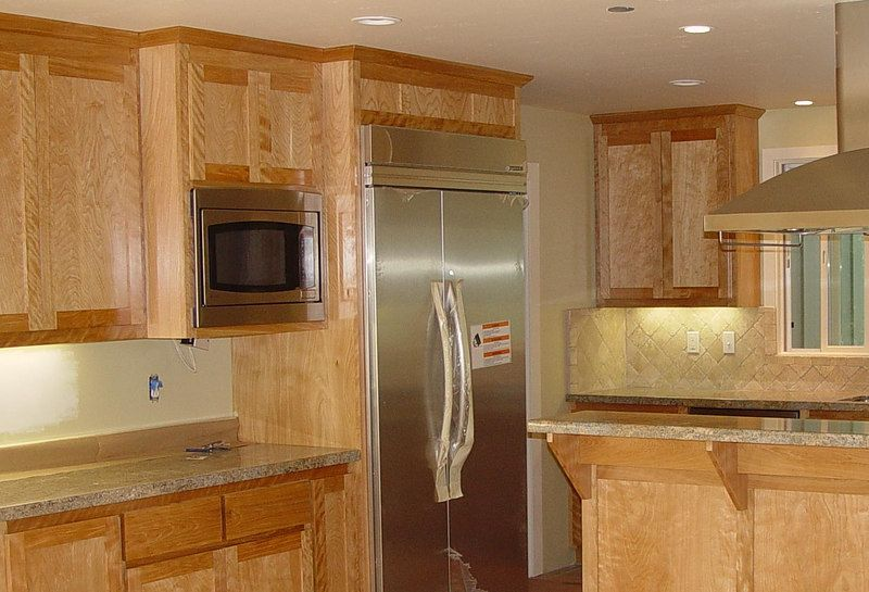 red birch kitchen cabinets red birch cabinets with shaker door baycustomcabinets photos - Birch Kitchen Cabinet