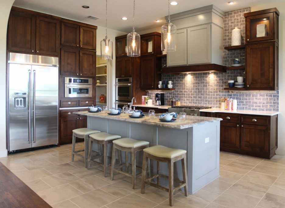 How To Make Oak Kitchen Cabinets Look Modern Einteriors Us Brown Kitchen Cabinets Stained Kitchen Cabinets Beautiful Kitchen Cabinets