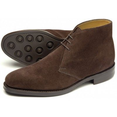 CHUKKA BOOTS IN BROWN SUEDE | CARMINA