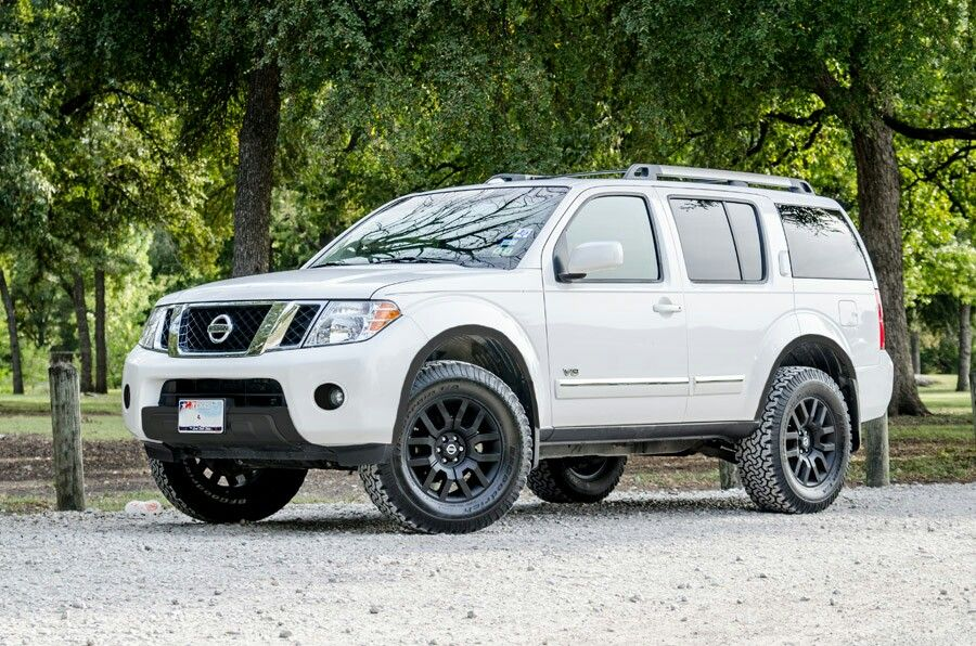 Lifted Nissan Pathfinder