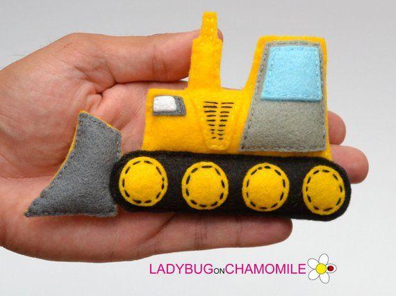 Felt BULLDOZER, stuffed felt Bulldozer magnet or ornament, Bulldozer toy, Technics, Vehicles, Nursery decor,Bulldozer magnet,kids toy #felttoys