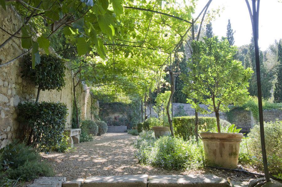 le jardin clos provencal jardin by dominique lafourcade jardins avignon pinterest. Black Bedroom Furniture Sets. Home Design Ideas