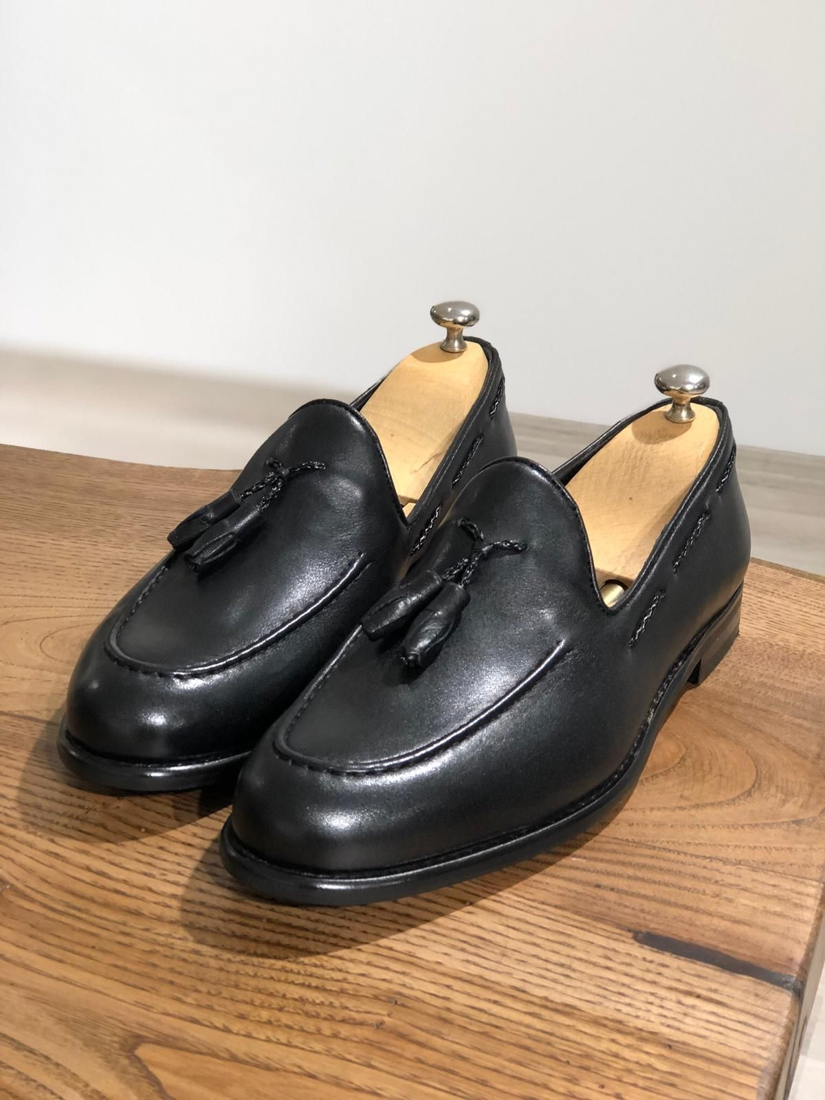 6ca1fc7b5b5 Product  Calf Leather Shoes Color code  Black Shoes Material  Calf-leather  Available