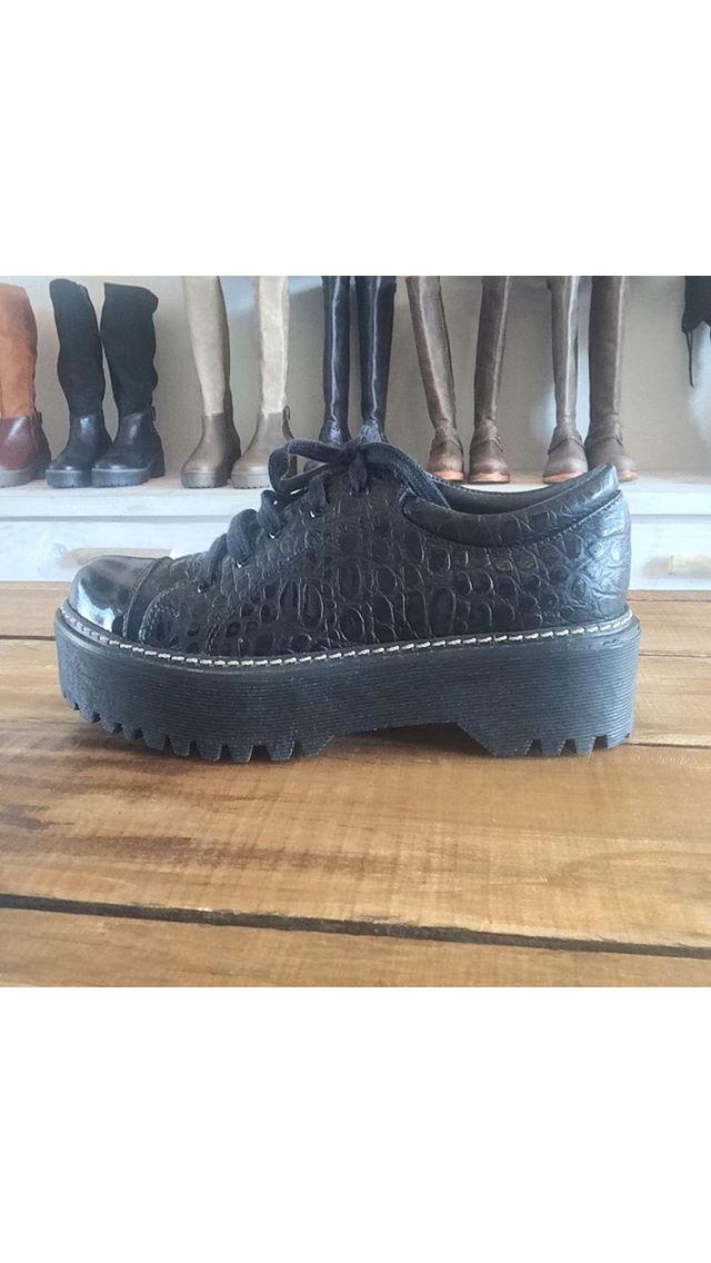 sale retailer 859c5 e1b81 URCO SHOES   Shoes   Pinterest   Sapatos