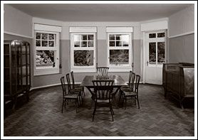 The Bloemenwerf-furniture in the dining-room of house 'Hohe Pappeln', Weimar, 1999