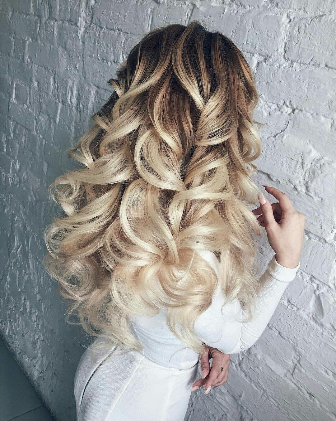 bouncy curled blonde hair. the perfect + most gorgeous