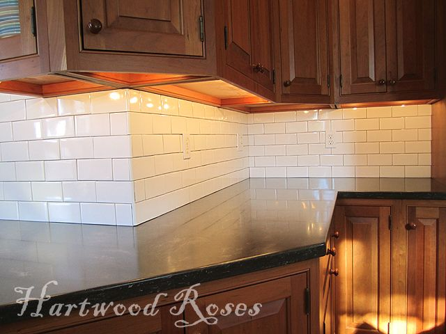 Hartwood Roses How To Install A Subway Tile Backsplash Step By Step Includes Directions For Inside Corners Outside Corners And Fitti Kitchen Tiles Home Decor Kitchen Install Backsplash
