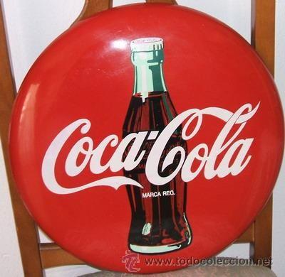 COCA-COLA. Publicidad original en chapa fina, de los años 70, medidas de esta 40 cm, de diametro con
