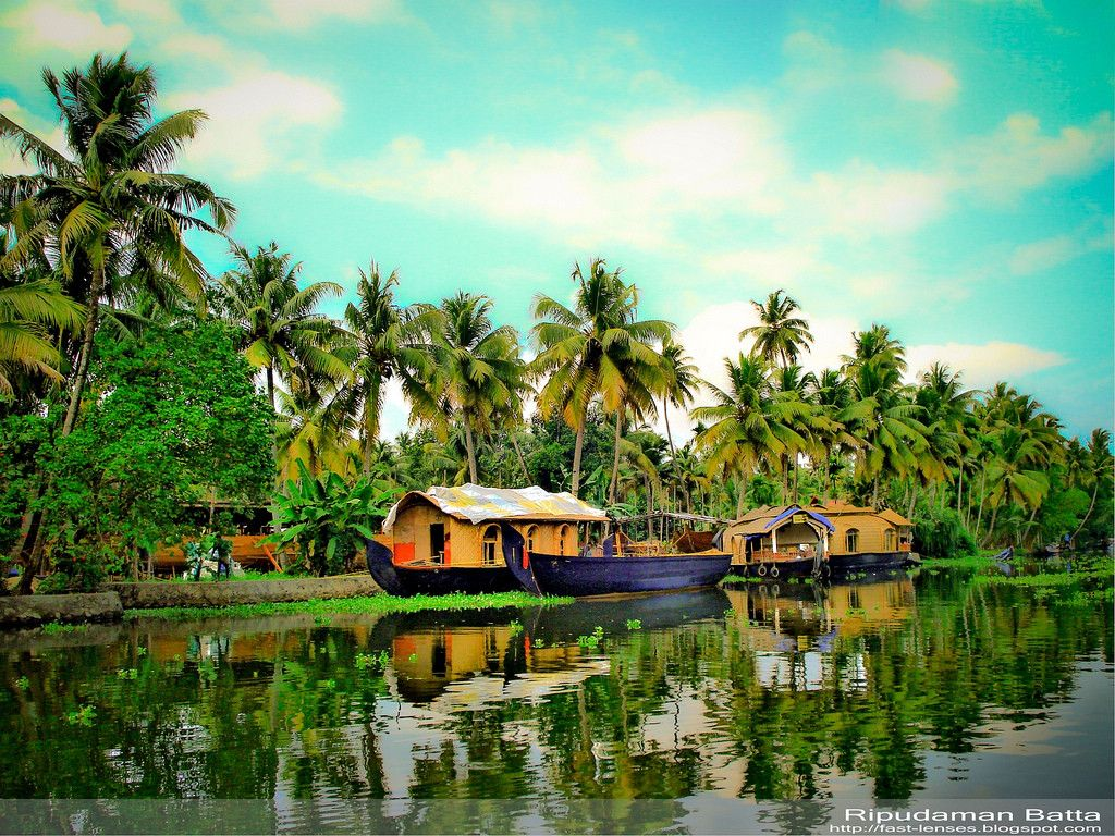 Kerala Wallpaper Wallpapersafari Kerala Backwaters India Tourist Tourist Attraction