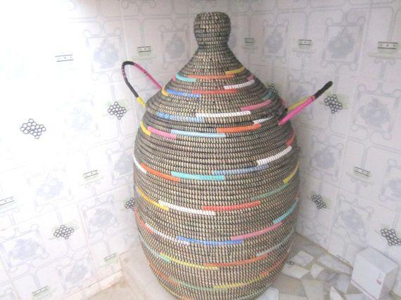 grand noir panier linge ethnique africain par africanbaskets deco pinterest. Black Bedroom Furniture Sets. Home Design Ideas