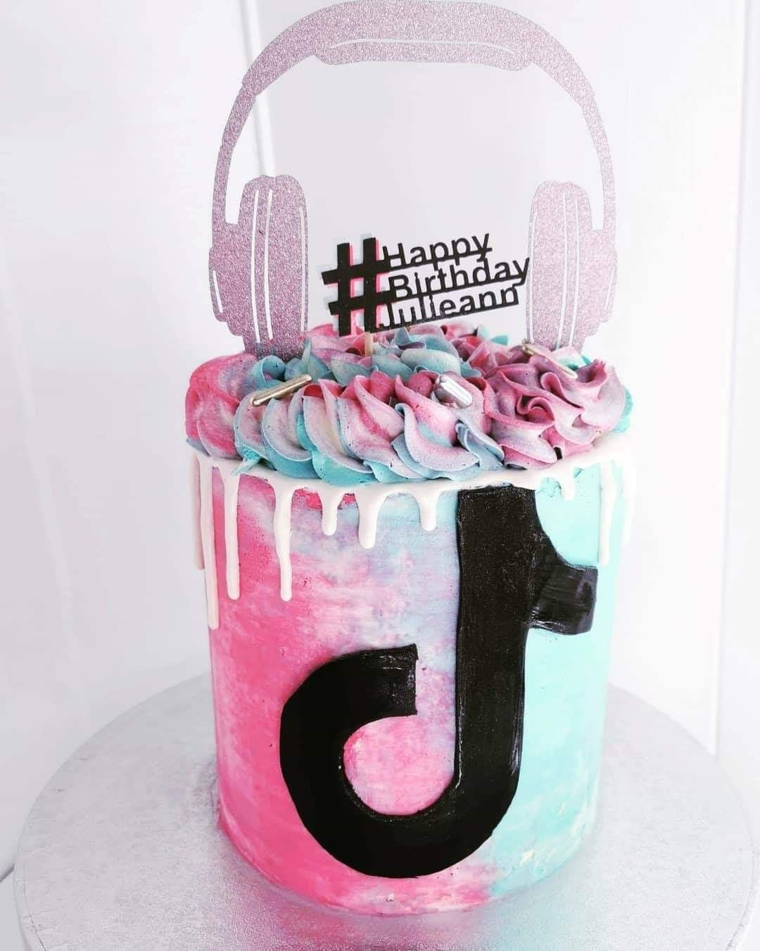 Tiktok Birthday Cake In 2020 14th Birthday Cakes 12th Birthday Cake Unique Birthday Cakes